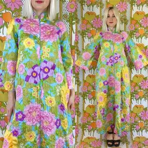 Vintage 60s psychedelic bell sleeve festival robe